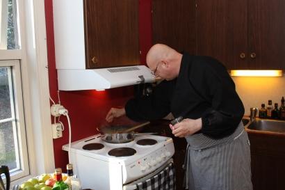 4 «De viktigste krydderiene er salt og pepper!» slår kokken fast