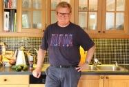 Harald Furre er absolutt på hjemmebane på kjøkkenet Foto Marte Krogstad