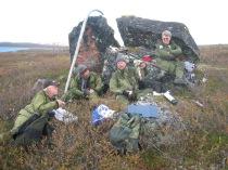 3 Fra rypejakt i Alta for drøye 10 år siden. Fra venstre Svein Arne Ubostad, Alf Inge Helle, Arild Pedersen, Alfred Gimle Ro (tidligere medlem av jaktlaget) Foto Stetten
