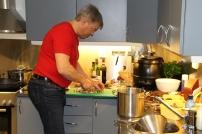 9 Kjøkkensjef Gjermund Fosselie slår fast at aromasopp passer ypperlig til viltsausen!